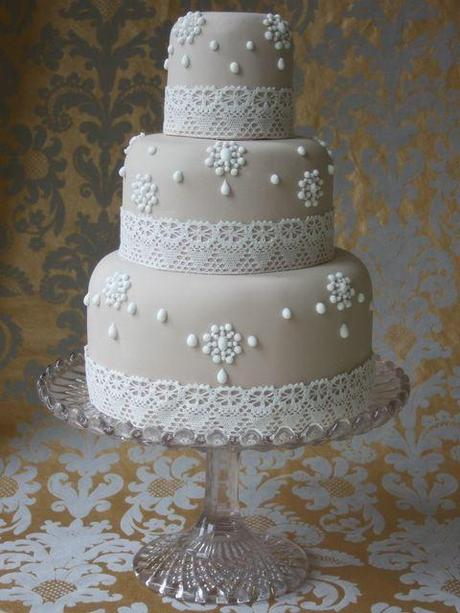 Vintage Pearl and Lace Wedding Cake