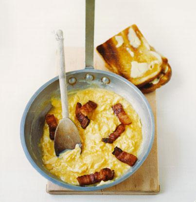 Creme-fraiche-scrambled-egg