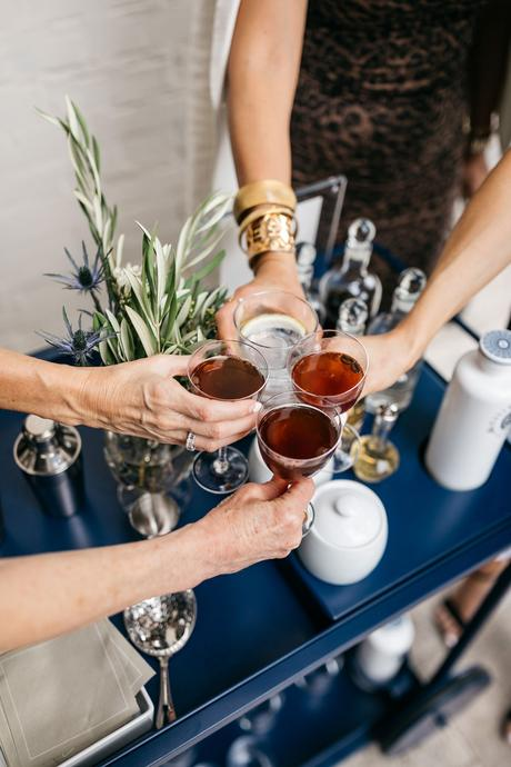 CHIC AT EVERY AGE // HAPPY HOUR AT HOME WITH Kástra Elión