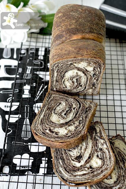 black sesame swirl bread