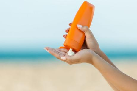 How to Find the Best Anti-Ageing Sunscreen & VLCC De-Tan SPF 50 PA+++ Sunscreen Gel Crème Review