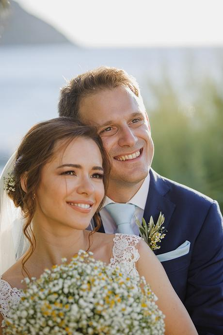 romantic-summer-wedding-athens-lovely-flowers_02