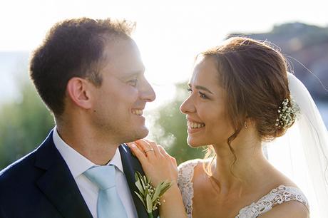 romantic-summer-wedding-athens-lovely-flowers_01