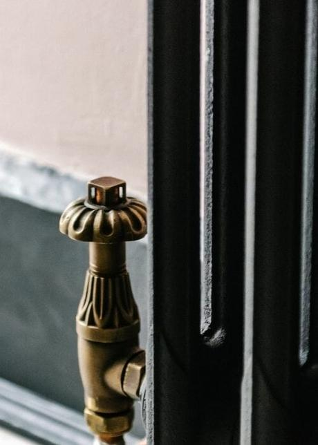 milano antique style radiator valve