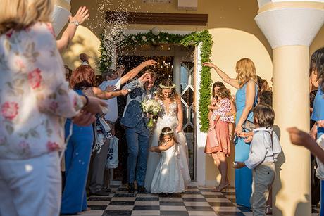 summer-romantic-wedding-santorini-white-peonies-roses_15