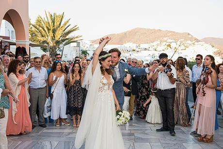 summer-romantic-wedding-santorini-white-peonies-roses_17
