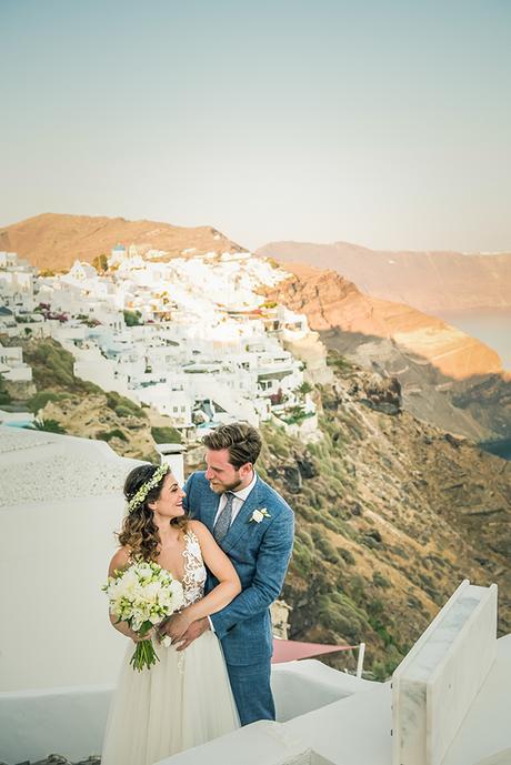 summer-romantic-wedding-santorini-white-peonies-roses_01