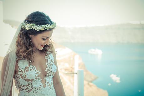 summer-romantic-wedding-santorini-white-peonies-roses_08