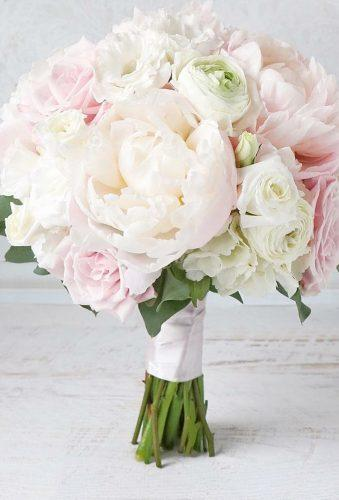 wedding bouquets 2019 tender classic bouquet studiobloomiowa