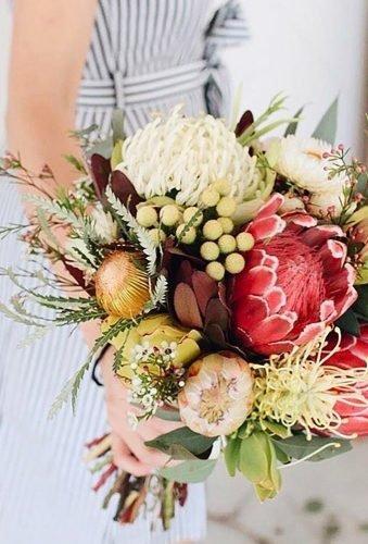 wedding bouquets 2019 big blooms in wedding bouquet sodaisyflowers