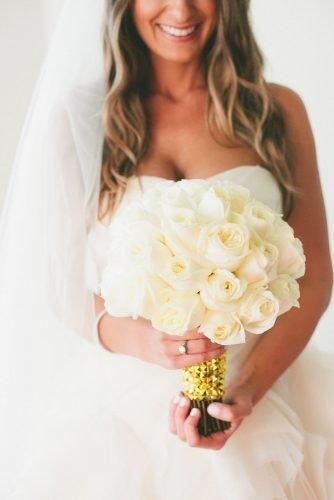 wedding bouquets 2019 calssic bouquet with gold decor onelove photography