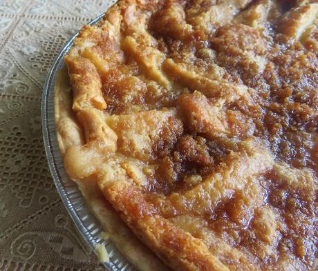 Cream & Crumb Schnitz Pie