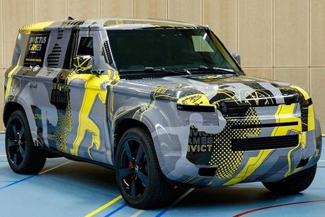 2020 Land Rover Defender SUV Climbs Anything in Absolute ...