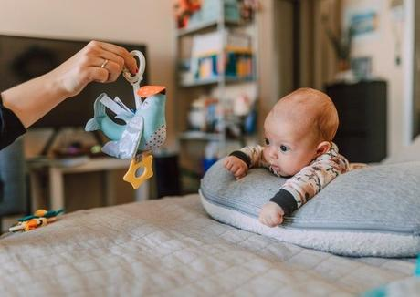 Here is your complete guide to Tummy Time for Babies; why it's important, how to start, what to expect & tips to make it comfortable for baby - and you!