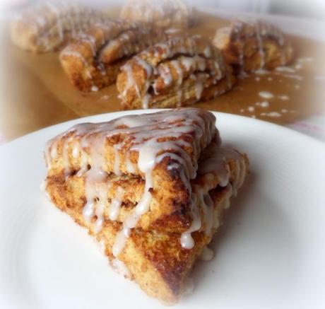 Cinnamon Roll Scones - Paperblog