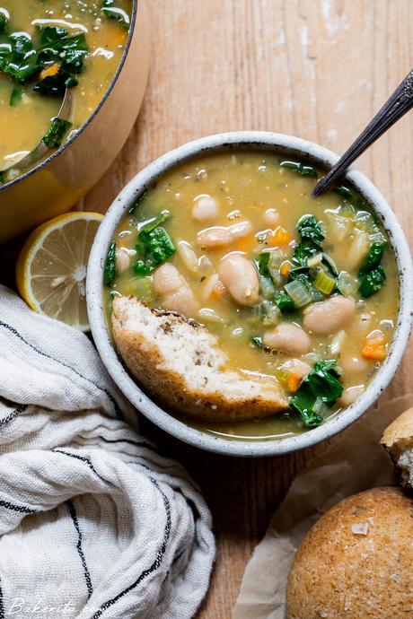 Vegan Kale & White Bean Soup