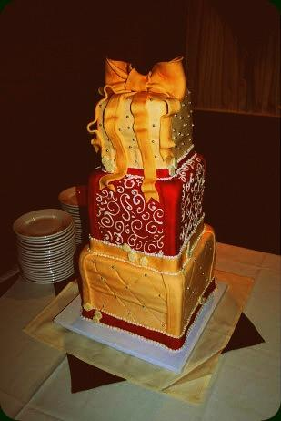 Present Theme Christmas Wedding Cake