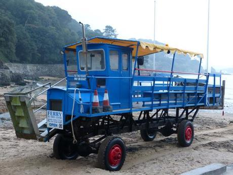 Sea Tractor to Salcombe from South Sands