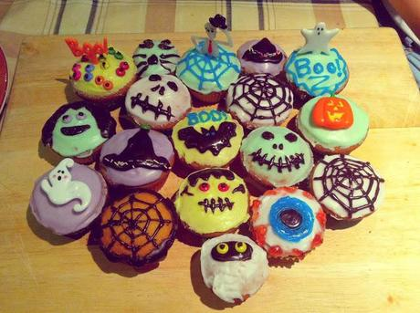 fun in the kitchen halloween themed cupcake ideas paperblog. Black Bedroom Furniture Sets. Home Design Ideas