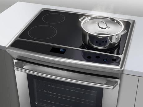 Experience the electrolux live cooktop challenge paperblog for Luxury oven
