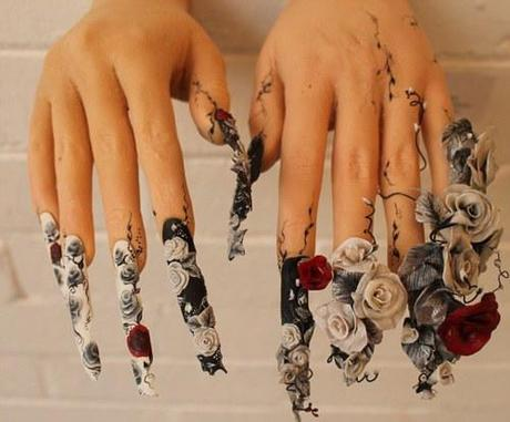 Incredible nail art Exhibition is first of its kind. Held in London the worlds first nails exhibition is showing off the often overlooked art of nail decoration; Including this amazing piece of 3D floral decor. xoxo LLM