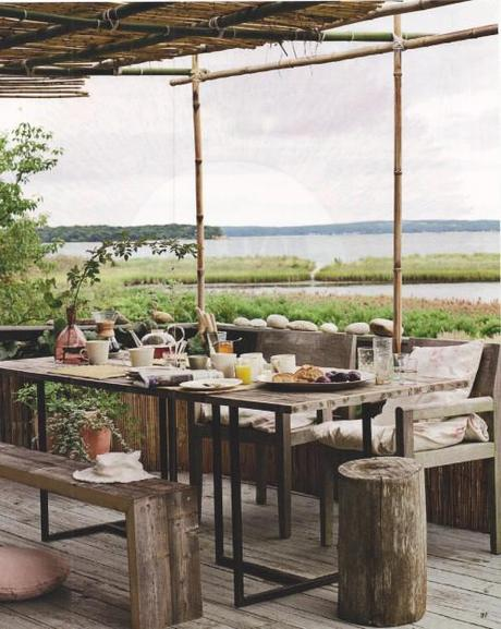 Outdoor Rustic Dining on Water