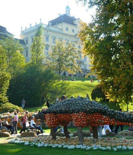 pumpkin festival palace and pumpkins