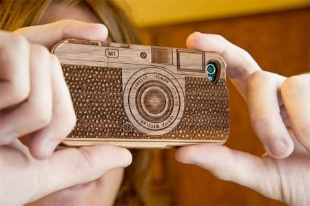 Beautiful Wooden Cases Designed For IPhone 4