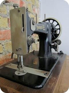 Vintage Find: Harris-E Sewing Machine