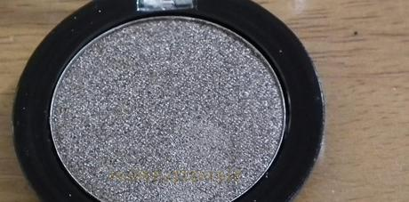 Swatches:Eye Shadow :MUA:Make Up Academy:MUA Eye Shadow No:11 Pearl Swatches