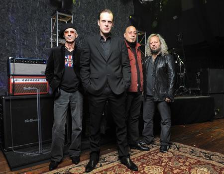 Joe Bonamassa & his band