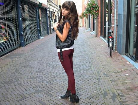 Outfit: Burgundy treggings