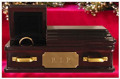 wedding ring coffin