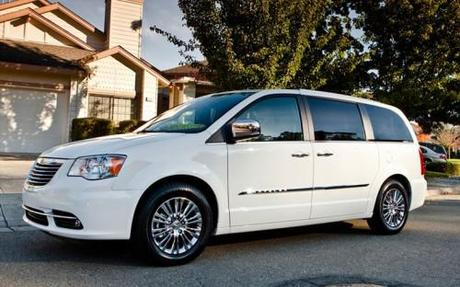 2011 Chrysler Town and Country Photos
