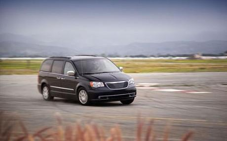 2011 Chrysler Town and Country Images