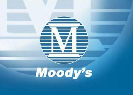Moody's downgrades UK banks; economy shrugs