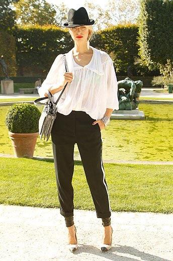 which casual chic b&w; look is YOU