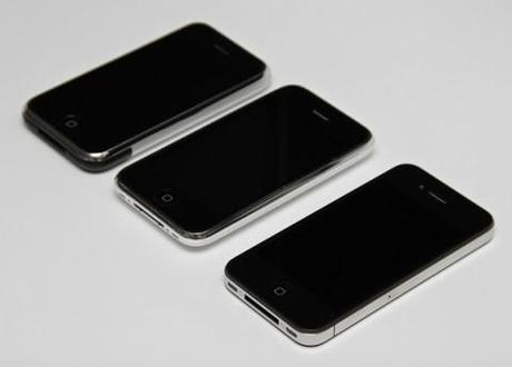 Steve Jobs effect: Apple iPhone 4S pre-selling like hot cakes