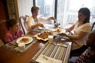 Five Easy Ways to Enjoy Mealtime Conversations
