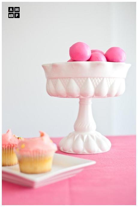 Sweet inspiration for your wedding: Dessert table versus Wedding cake!