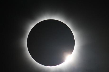 Eclipse Diamond Ring