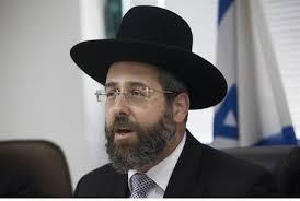 Chief Rabbi Lau meets with Zoglowek and they keep the hechsher