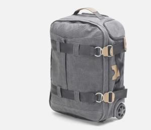 The 3-Day Travelbag by QWSTION complies to hand luggage requirement of most airlines.