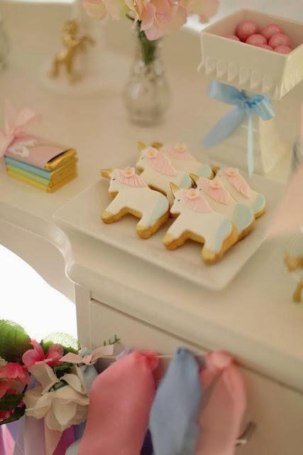 A Gorgeous Unicorn Party By Cakes By Sharon Paperblog