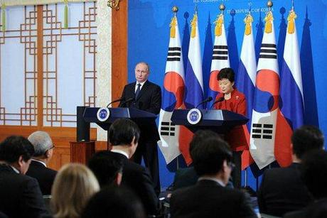 President Putin and Korean President Park Geun-hye, Seoul. 12 November 2013.