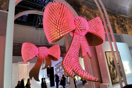 "Joana Vasconcelo's ""J'Adore Miss Dior,"" 2013. Photo by Stéphane Feugère"