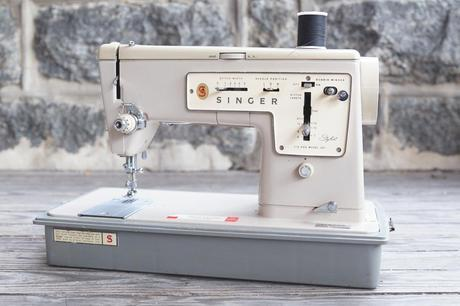singer 1 of 1 Weekend: My New Singer Zig Zag Sewing Machine