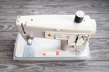 singer 427 2 of 5 Weekend: My New Singer Zig Zag Sewing Machine