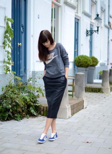 inspiration outfit adidas gazelle leather pencil skirt sporty chic