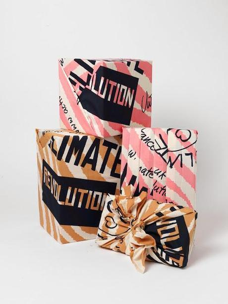 Beauty Flash: Vivienne Westwood Designs Limited Edition Knot-Wrap For Lush